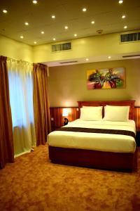 Nejoum Al Emarat, Hotel  Sharjah - big - 56
