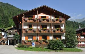Hotel Val Gares - AbcAlberghi.com