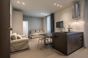 Mysuiteshome Apartments, Apartmány  Bologna - big - 34