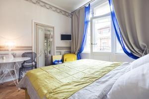 Vista Riverside Andel Suites
