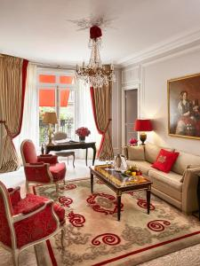 Deluxe Suite with Avenue View