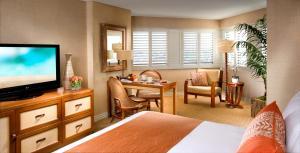 Queen Room with Two Queen Beds Deluxe