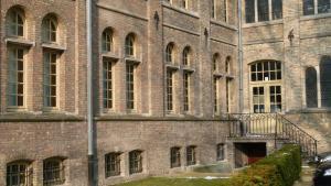 Apartment De KloosterLoft, Apartmány  Ypres - big - 19
