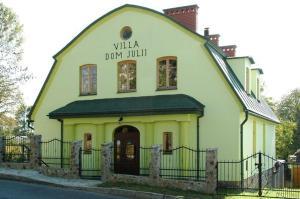 Villa Dom Julii, Villas  Sanok - big - 1
