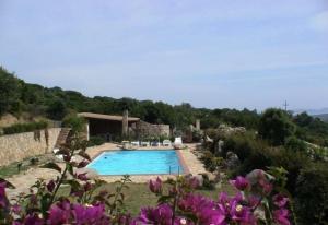 Villa AL/1 con piscina immersa nel verde - AbcAlberghi.com