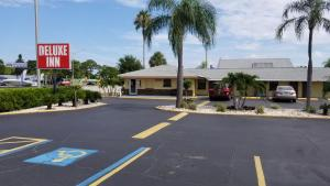 Deluxe Inn - Sarasota, Motels  Sarasota - big - 26