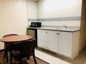 Deluxe Inn - Sarasota, Мотели  Сарасота - big - 10