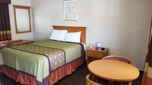 Deluxe Inn - Sarasota, Мотели  Сарасота - big - 13