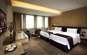 Platinum Grand King or Twin Room with Breakfast
