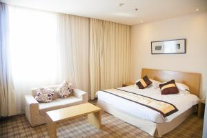 Regular Suite with City View - Non Smoking