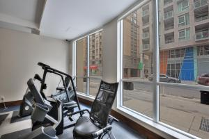 Toronto Luxury Accommodations - QWEST, Apartmány  Toronto - big - 37