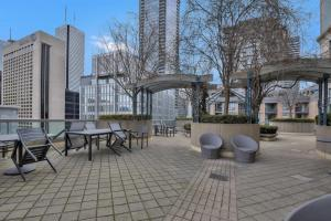 Toronto Luxury Accommodations - QWEST, Apartmány  Toronto - big - 28