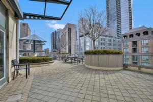 Toronto Luxury Accommodations - QWEST, Apartmány  Toronto - big - 27