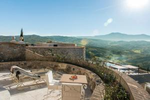 Castello di Velona Resort Thermal SPA & Winery, Hotel  Montalcino - big - 40