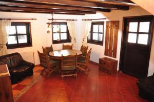 Hilde's Residence, Penzióny  Gura Humorului - big - 73