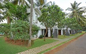 Royal Orchid Resort & Convention Centre, Rezorty  Bangalore - big - 3