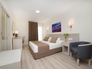 Hotel Helios - Almuñecar, Hotels  Almuñécar - big - 3
