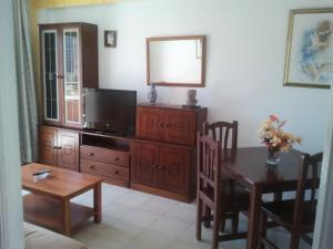 Apartamentos Ocaña, Apartments  Cala de Finestrat - big - 28