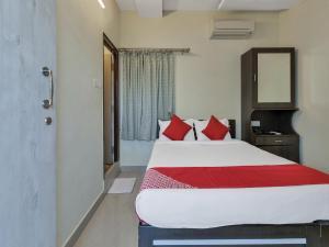 OYO 12181 Hotel Gravity, Hotels  Hyderabad - big - 12