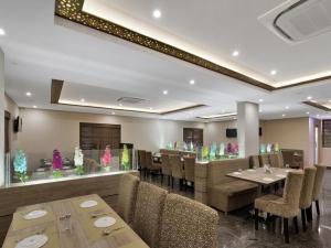 OYO 12181 Hotel Gravity, Hotels  Hyderabad - big - 21