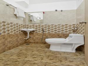 OYO 12181 Hotel Gravity, Отели  Хайдарабад - big - 10