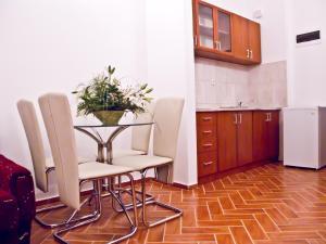 Apartments Bianca, Апартаменты  Херцег-Нови - big - 5