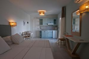 Ammos Naxos Exclusive Apartments & Studios, Апарт-отели  Наксос - big - 52