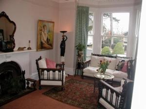 Badger Towers, Bed and Breakfasts  Cheltenham - big - 8
