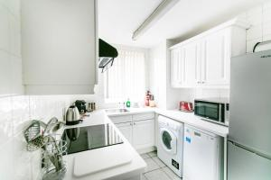 Superior 2 Bedroom Apartment with 2 Bathrooms