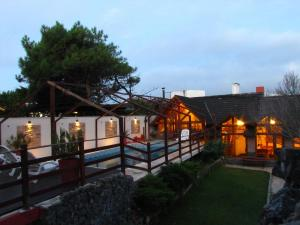 Loma Escondida Apart Cabañas & Spa, Turistaházak  Villa Gesell - big - 29