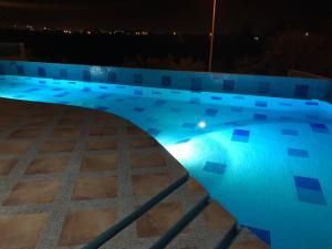 Swimming pool & Beach, en La Marina, Appartamenti  Mazatlán - big - 53
