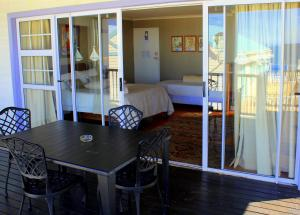 1 Point Village Guesthouse & Holiday Cottages, Apartmanok  Mossel Bay - big - 73