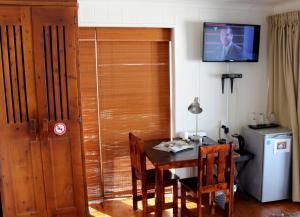 1 Point Village Guesthouse & Holiday Cottages, Apartmanok  Mossel Bay - big - 78