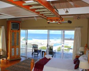 1 Point Village Guesthouse & Holiday Cottages, Apartmanok  Mossel Bay - big - 84