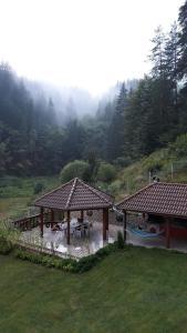Villa Chaushevi, Villas  Pletena - big - 2
