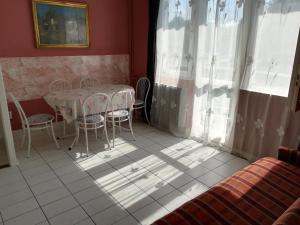 Tarr Apartmanok, Penziony  Keszthely - big - 32