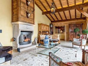 Raven mountain cottage with pool - Apartment - Big White