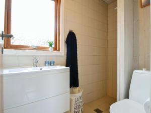 Holiday home Bjerregårdsvej, Nyaralók  Bjerregård - big - 10
