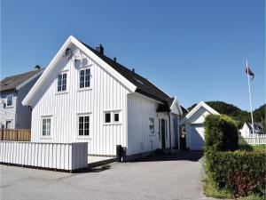 Four-Bedroom Holiday Home in Sogne, Nyaralók  Søgne - big - 10