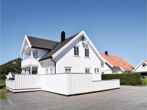 Four-Bedroom Holiday Home in Sogne, Nyaralók  Søgne - big - 4