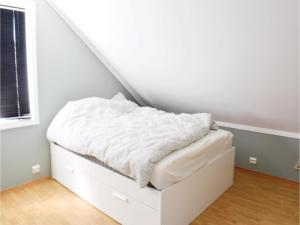 Four-Bedroom Holiday Home in Sogne, Nyaralók  Søgne - big - 2