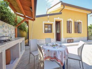 Villa Rosaria, Ferienhäuser  Campofelice di Roccella - big - 14