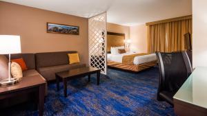 Best Western Plus Portland Airport Hotel & Suites, Hotels  Parkrose - big - 3