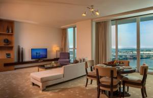 Two bedroom Suite with Panoramic View