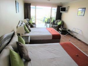 Sunlit Waters Studio Apartments, Aparthotely  Airlie Beach - big - 23