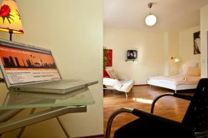 Comfort Studio Apartment with Balcony - Motzstrasse