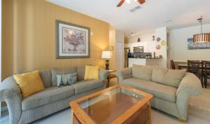 Stunning Condo, Apartments  Kissimmee - big - 38