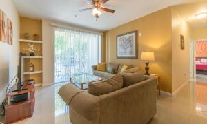 Stunning Condo, Apartments  Kissimmee - big - 27