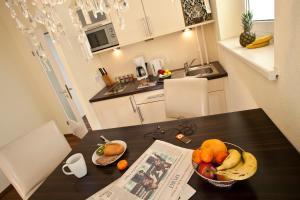 Comfort Studio Apartment with Balcony - Ansbacherstrasse