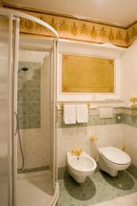 Hotel Ristorante Leon D'Oro (5 of 35)